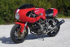 Ducati Tifoso, ST4 sport classic lookalike