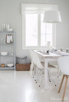 Wnętrza, Biała jadalnia - Kocham biel :) styl skandynawski chyba najbliższy jest memu sercu:) odpoczywam, relaksuje się w tych klimatach, uwielbiam oglądać takie...