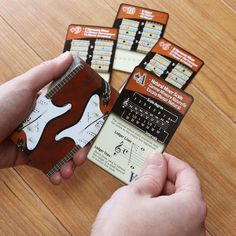 Guitar scale playing cards. Cartas de escalas para jugar