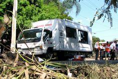 Die Heilsarmee versorgt Anfang 2011 Flutopfer in Australien mit einer mobilen Kantine.