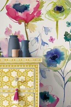 A beautiful, large scale bluebellgray wallpaper design featuring stylised poppies, in bright colours. Grey Floral Wallpaper, Vintage Floral Wallpapers, Classic Wallpaper, Botanical Wallpaper, Colorful Wallpaper, Elegant Flowers, Vintage Flowers, Tree Wallpaper For Walls, Feature Wallpaper
