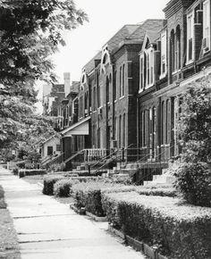 PHOTO – CHICAGO – PULLMAN NEIGHBORHOOD – ROW HOUSES 1969 Chicago River, Chicago City, Chicago Illinois, Pullman Chicago, Chicago Pictures, Chicago House, Chicago Neighborhoods, My Kind Of Town, The Row