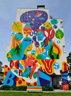 Street-art par Akacorleone Akacorleone in Street-Art Murals Street Art, Art Mural, Art Chicano, Collaborative Mural, Dada Collage, Art Public, School Murals, Sidewalk Chalk Art, Space Illustration