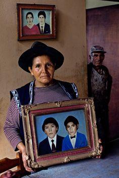 Steve McCurry - Alto Churumazu, Yanesha, Peru