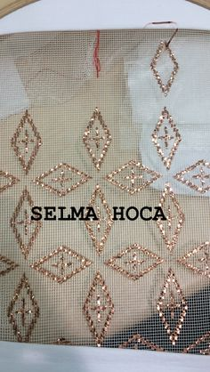Crewel Embroidery, Ribbon Embroidery, Christmas Look, Michelle Obama Fashion, Lotus Design, Neck Pattern, Sewing Hacks, Diy And Crafts, Cross Stitch