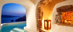 These are the best luxury hotels in Santorini. Best Hotels in Oia, best hotels in Firostefani, best hotels in Imerovigli, best hotels in Perissa and best hotels in Kamari. These hotels offer the ultimate luxury in Santorini with private pools and jacuzzi. Hotel Grecia, Santorini Grecia, Santorini Villas, Santorini Island, Oia Greece, Santorini Wedding, Hotels In Santorini Greece, Cave Pool, Greek Isles