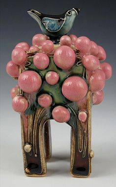 """Long Bird in a Gumball Tree Box"" x Carol Long Pottery will be at the Outdoor Living Show in Wichita, Kansas. Ceramic Boxes, Ceramic Clay, Ceramic Pottery, Pottery Art, Ceramic Painting, Art Nouveau, Art Deco, Fimo Clay, Pottery Making"