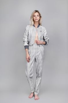 #oanapop #fashion #bomberjacket #suit #casualsuit #fashioncatalog  Photo: Anca Cheregi Model: Cristina Oltean  Mua: Ioana Malai