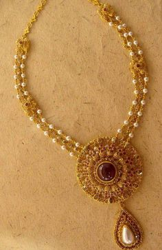 Uncut Diamond Necklace latest jewelry designs - Page 40 of 113 - Indian Jewellery Designs Pearl Jewelry, Indian Jewelry, Pendant Jewelry, Wedding Jewelry, Gold Jewelry, Gold Necklaces, Jewelry Sets, Jewelry Making, Gold Jewellery Design