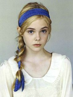 Elle Fanning- love the hair!                                                                                                                                                                                 More