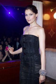 Leatitia Casta in the Louis Vuitton Express at the Fall/Winter 2012/2013 Fashion Show in Shanghai. #louisvuitton #dresses #women