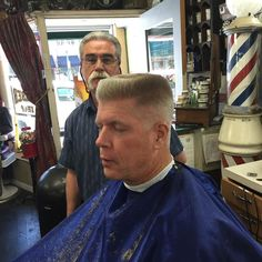 Older Mens Hairstyles, Classy Hairstyles, Top Hairstyles, Short Black Hairstyles, Hairstyles For Round Faces, How To Curl Short Hair, Short Curls, Flat Top Haircut, Fade Haircut