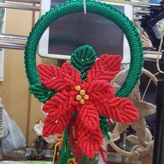 Poinsettia. Thanks to the tutorial for the poinsettia..