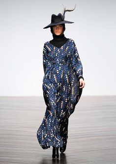 #issalondon #issa #fallcollection #wintercollection #greenbird #abudhabi #abudhabistyle #abudhabifashion #dubai #dubaistyle #dubaifashion #marinamall #womenswear #casualwear #fall2013 #winter2014 #fallwinter2014 #fw2014 #feather #featheredhat #turtleneck #blackturtleneck #printeddress #printedeyes #couture #runway #hooded #hood