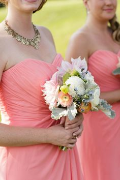 Pretty hues: http://www.stylemepretty.com/oregon-weddings/2015/05/07/late-summer-wedding-at-the-aerie-at-eagle-landing/ | Photography: Altura Studio - http://alturastudio.com/