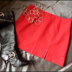"""HOT Express red mini skirt Oh this will turn heads! Thick skirt has full acetate lining, offset front vent at left leg & a side hidden zip. Waist 30"""", length 15""""-true mini. Pair with knee high boots & rock the town! Color is a true red, slightly cool in hue. Express Skirts Mini"""