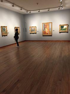 Sala de artistas internacionais no Museu Botero