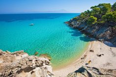 Bonjour from Vourvourou, Halkidiki ~ Macedonia Vacation Destinations, Dream Vacations, Vacation Spots, Beautiful Islands, Beautiful World, Great Places, Places To Visit, Thessaloniki, Greek Islands
