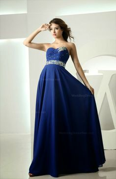 This is the perfect prom dress!! I would love this dress for anything really!