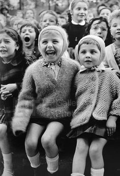 Children at a Puppet Theatre III (© Alfred Eisenstaedt)