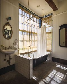 Bathroom of the Week: A Vintage Bath on Old Chaser Farm in Vashon Island, Washington (Remodelista: Sourcebook for the Considered Home) Clawfoot Tub Bathroom, Concrete Bath, Spa Interior, Interior Colors, Interior Design, Vashon Island, Cheap Home Decor, Decoration, Home Remodeling