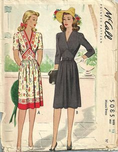 McCall 5085 / Vintage 40s Sewing Pattern / Dress / Size 12 Bust 30