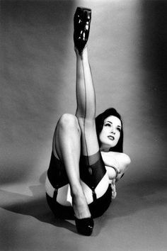 classic pin up girl style...hats off to betsy page