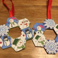Did you make a hexie decoration at last month's club night? Are you ready for more decorations tonight? in our FB group. Christmas Wreaths, Christmas Crafts, Christmas Decorations, Christmas Ornaments, Holiday Decor, Custom Printed Fabric, Printing On Fabric, Christmas Sewing, English Paper Piecing