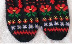 Kurti Sleeves Design, Air Max 90, Moda Emo, Pixie, Sleeve Designs, Baby Knitting Patterns, Diy And Crafts, Socks, Crochet