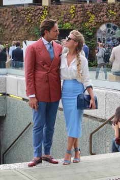 Street style Pitti Uomo 88 – Powered by Louis Purple – Day 2 - Stil Masculin . Fashion Couple, Love Fashion, Fashion Trends, Fashion Design, Preppy Men, Stylish Couple, Couple Outfits, Classic Outfits, Elegant Outfit