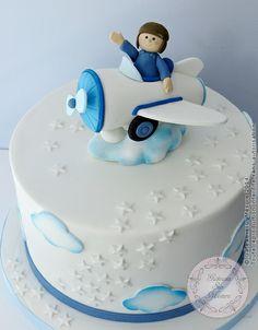 Gâteau Aviateur (from Gateaux sur Mesure Paris - Formations Cake Design, Ateliers pâte à sucre, Wedding Cakes, Gateaux d'Exposition)