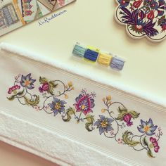 1 million+ Stunning Free Images to Use Anywhere Embroidery Works, Crewel Embroidery, Ribbon Embroidery, Cross Stitch Embroidery, Embroidery Patterns, Stitch Patterns, Cross Stitch Borders, Cross Stitch Flowers, Cross Stitch Designs