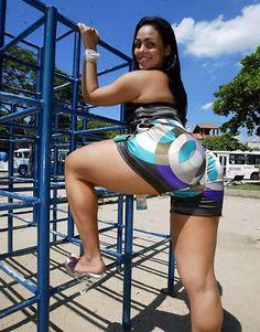 Confira as fotos da Andressa Soares Nua , atendendo a inúmeros pedidos dos marmanjos. Essa é muito gostosa e com uma bunda maravilhosa c...
