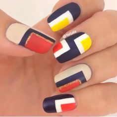 Primary colors nail art