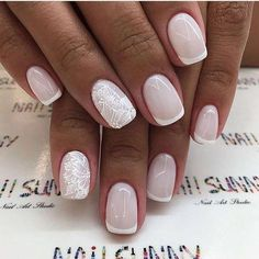 False nails have the advantage of offering a manicure worthy of the most advanced backstage and to hold longer than a simple nail polish. The problem is how to remove them without damaging your nails. Bride Nails, Prom Nails, Cute Nails, Pretty Nails, Hair And Nails, My Nails, Nagellack Trends, Manicure E Pedicure, Nagel Gel