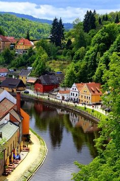 Cesky Krumlov, Czech Republic Cesky Krumlov, Tschechische Republik full of promise Places Around The World, Travel Around The World, Oh The Places You'll Go, Places To Visit, Around The Worlds, Beautiful Landscape Photography, Beautiful Landscapes, Beautiful Buildings, Dream Vacations