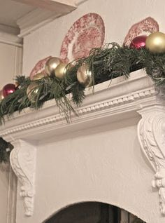 FRENCH COUNTRY COTTAGE: TOUCHES OF CHRISTMAS