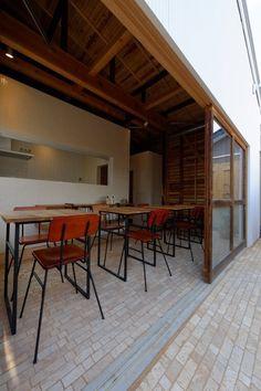 スープカフェ なんでもない日 Outdoor Tables, Outdoor Decor, Cafe Shop, Cafe Restaurant, House Design, Outdoor Furniture, Interior, Room, Japan