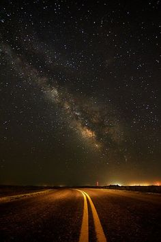 ✮ Nightsky photography - I like the juxtaposition of the cosmos with the most mundane of human life