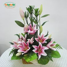 Sweet n lovely Funeral Floral Arrangements, Tropical Flower Arrangements, Creative Flower Arrangements, Ikebana Flower Arrangement, Church Flower Arrangements, Beautiful Flower Arrangements, Beautiful Flowers, Altar Flowers, Church Flowers
