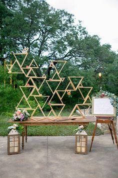 geometric backdrop - photo by The Nichols http://ruffledblog.com/garden-wedding-in-dripping-springs