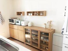 いいね!170件、コメント15件 ― sakuraさん(@rnh__1024)のInstagramアカウント: 「◎ こんばんは🌙 今日のキッチンです🍴 家の中で一番お気に入りの空間です☺︎ 冷蔵庫、ゴミ箱、食器棚..全て無印良品です✨ 電子レンジとケトルもだ😆笑 .…」