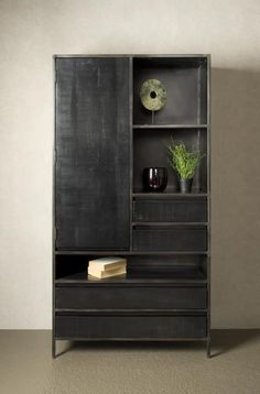 Bestel dit product nu bij HUUS.nl Vinyl Shelf, Small Space Storage, Tall Cabinet Storage, Small Spaces, Bookcase, Furniture Design, New Homes, House Design, Shelves
