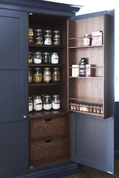 Farrow and Ball Railings painted Kitchen pantry, with Dark stained Oak interior. Interior, Kitchen Cabinets, Kitchen Remodel, Kitchen Decor, Home Remodeling, Interior Design Kitchen, House Interior, Home Kitchens, Kitchen Design
