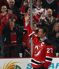 In true Niedermayer fashion, he humbly waves to the crowd. // Miss this guy on the ice.