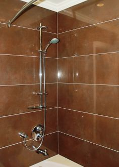 Large Format Tiles & GROHE Shower Fixtures