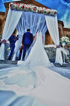 Vip weddings of armenia with paper flowers decoration http vip weddings of armenia with paper flowers decoration httpweddingarmeniaenvip weddings paper flower decoration vip weddings pinterest publicscrutiny Choice Image