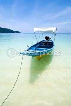 Пляж с лодки — Стоковое фото © yuliang11 #12210343