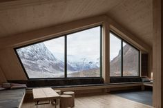 Throughout the interiors of the cabins, Snøhetta combined the exposed timber walls with textiles and artefacts rescued from the previous cabin. Wooden Cladding, Timber Cabin, Timber Walls, Old Cabins, Open Fireplace, Public Garden, Dormitory, Cabin Design, Farm Yard