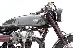 The Bullitt: Deus' Moto Grigio